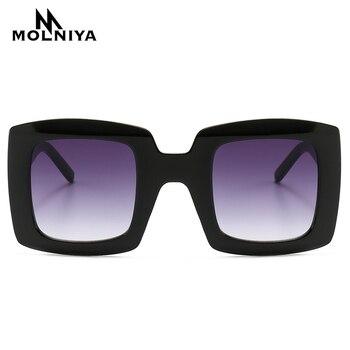 d075d88529 Nuevo cuadrado gafas de sol de las mujeres 2019 de lujo de marca de  diseñador Italia, gafas de sol de mujer Vintage tonos gafas UV400
