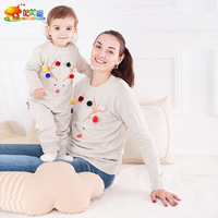 Family Sweaters Ball Mom and Daughter Baby Clothes Jumper Boys Mommy and Me Clothes Sweatshirts Family Winter Shirts Pajamas