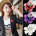 2015 Colorful Bridal Wedding Jewelry Pretty Lily Rose Brooch Crystal Rhinestone Pins Gift Bride Dressup 7517