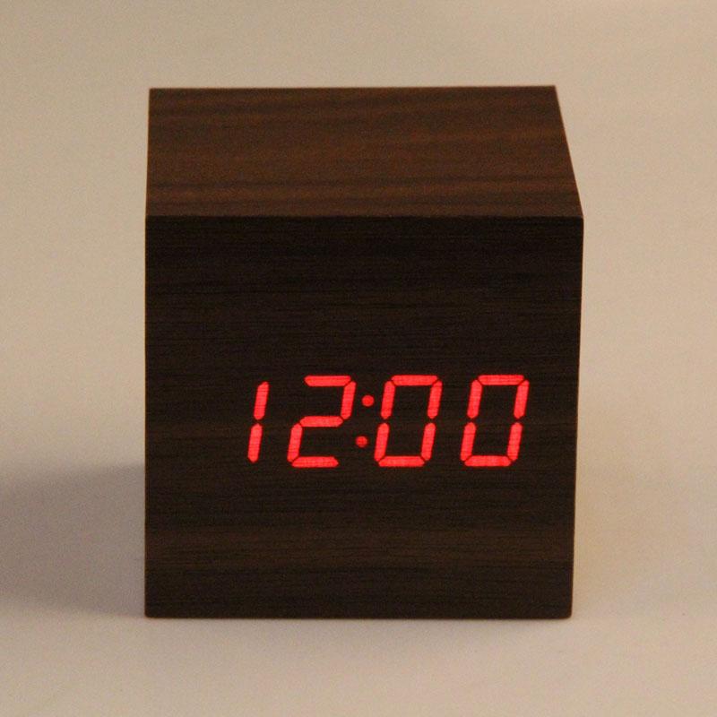 Neue Ankunft Desktop Uhr 3 x AAA/USB Powered Mini Tragbare Holz Uhr Rote LED Digital Sound Control Alarm uhr despertador