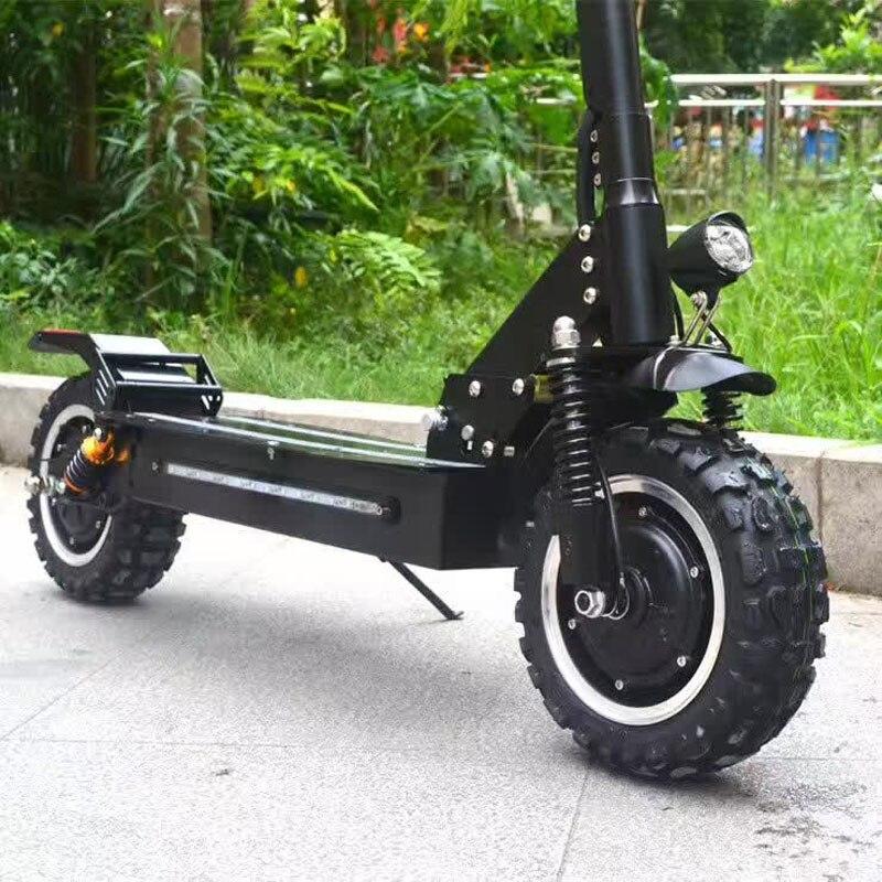 Scooter électrique de Longboard de Scooter électrique puissant de 2400 W hors de la planche à roulettes adulte Scooter électrique pliable de dérive de patin électrique