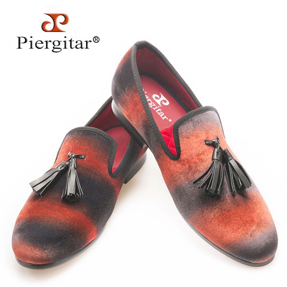 PIERGITAR Mix color velvet men handmade loafers with leather tassel Fashion Banquet and Show men dress shoes smoking slippers piergitar 2016 new india handmade luxurious embroidery men velvet shoes men dress shoes banquet and prom male plus size loafers