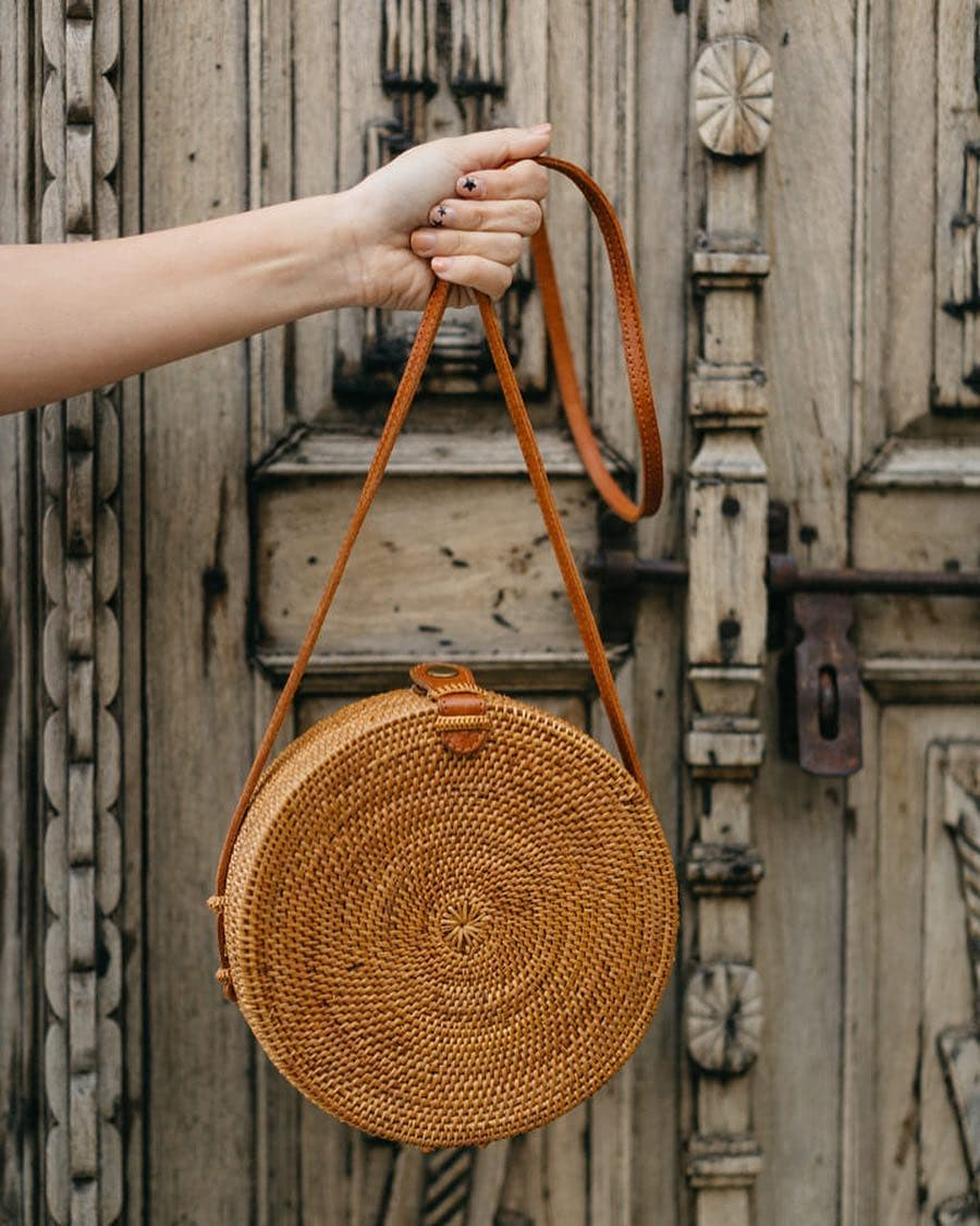 2018 INS CHIC Handmade Crossbody bags Bohemian Straw Bags for Women Small Circle Beach Handbags Summer Vintage Rattan Bag women bohemian straw bags ladies small beach weave handbag tote handmade summer wicker basket ribbons rattan holiday travel ins