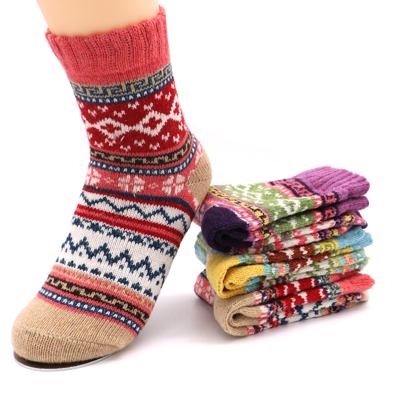 Cotton   Socks   Women Autumn Winter   Sock   Warm Fluffy Girls   Socks   Cute Christmas Colorful Geometic Pattern Thicken   Sock   for Women