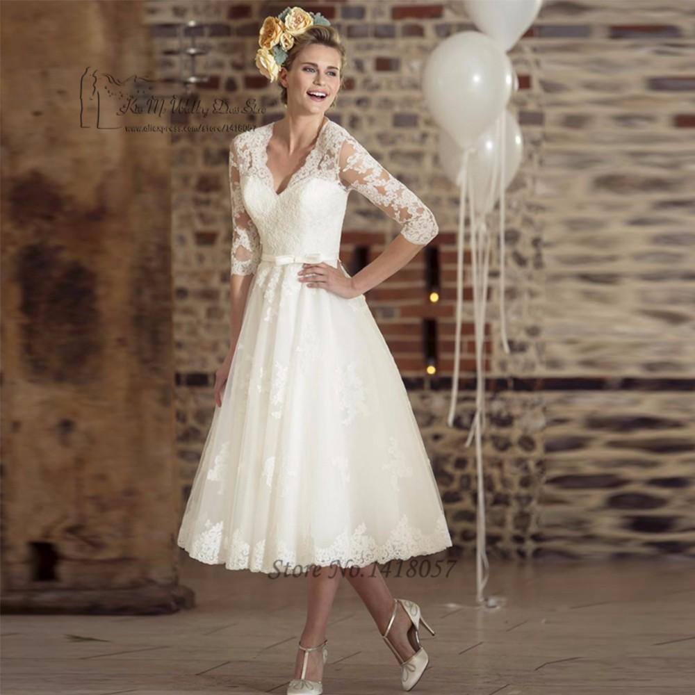 Vestido de Noiva Curto Vintage Ivory Tea Length Wedding Dress Lace 2017  Wedding Gowns V Neck Short Bridal Dresses 3 4 Sleeve Bow 89451ad95aed