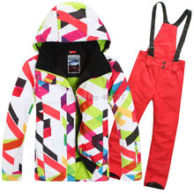 2015 hot womens red ski suit female skateboarding suit skiwear colorful curves jacket and red roseo pants waterproof sportswear