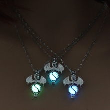 Game of Thrones Themed Vintage Necklace with Luminous Pendant