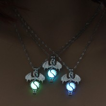 Vintage Christmas Gift Game of Throne Dragon Punk Luminous Pendant Necklace Glow in the Dark 3 Colors Cute Sweater Chain(China)