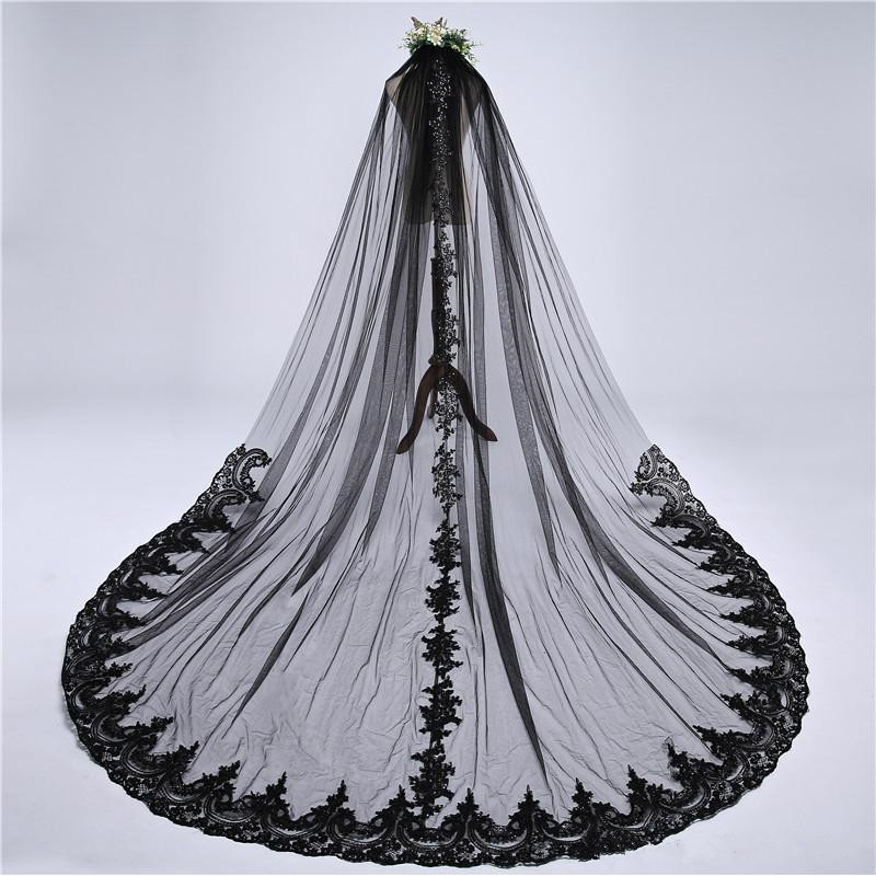 2019 Designed Bridal Veils Lace Appliques Sequins One-Layer Amazing Wedding Veils Bridal Accessories With Combs