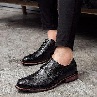 6baf7e715 Vestido on Casamento Baixo Preto Slip Homens Oxfords Clássicos Negócios  Fino Bico De marrom Dos Formal Da Pu Sapatos Moda rqFxHr