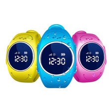 New design IP67 waterproof pedometer security fence sos GPS tracker kids gps watch