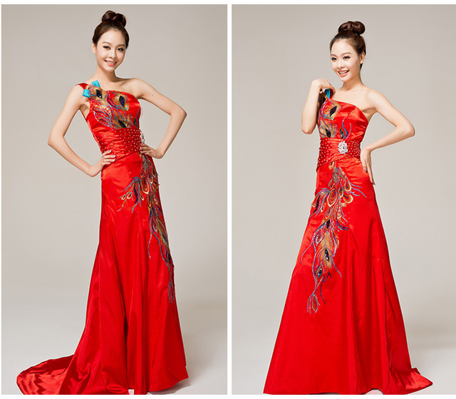 Chinese Style One Shoulder Fashion Long Size Cheongsam Dress Bridal Evening Peacock Design Wedding
