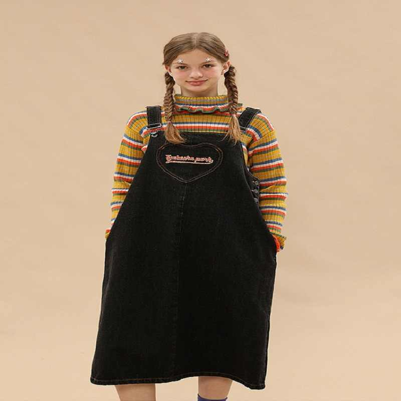 Vestido de mezclilla 2017 negro otoño e invierno nuevo estilo suelto Strap Jeans vestido de mezclilla de tirantes Preppy