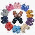 Navidad Nuevo Niño Del Bebé Mocasines de gamuza de Cuero Genuino Borla arco Zapatos de Bebé suaves Primeros Caminante antideslizante Infantil de la muchacha zapatos