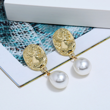 L&H 2019 New Design Elegant Dangle Earrings Water Droplet Pearl Dorp Personality Abstract Face Jewelry Trend