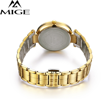 2017 New Time-limited Top Fashion Ultrathin Gold Ladies Watches Steel Watchband Saphire Waterproof Quartz Women Clock Watch 3