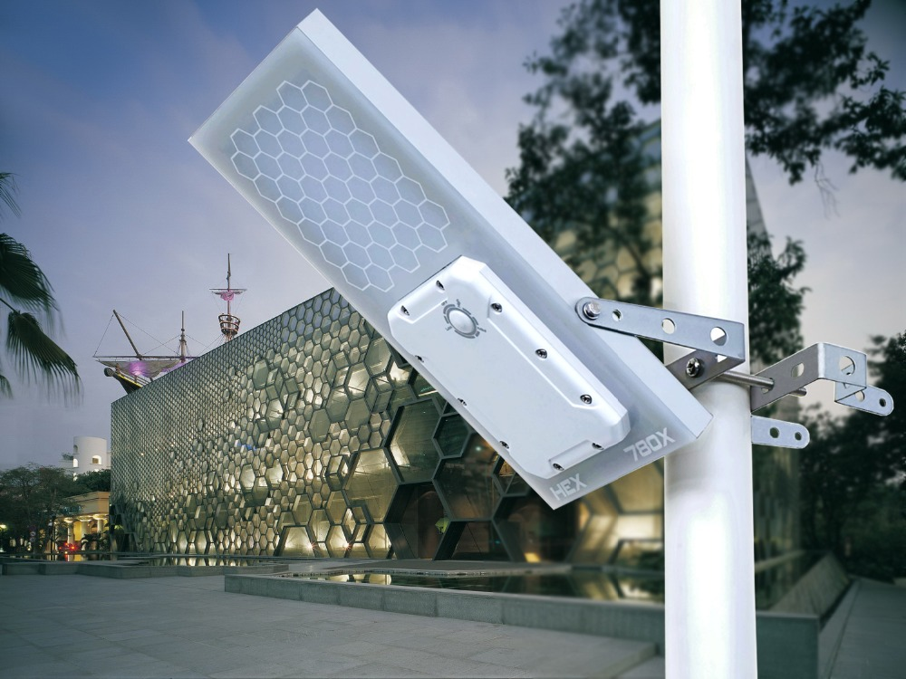 HEX 780X Solar Wall Light
