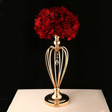 Europe High-grade Iron candlestick  Electroplated Peach Heart Golden candle holder Road Lead Vases Wedding props Home decoration