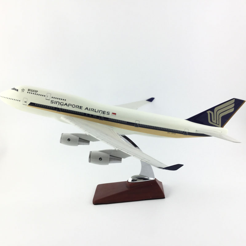 SNGAPORE AIRLINES AIR PASSENGER PLANE 45-47CM SINGAPORE 747-400 MODEL PLANE AIRCRAFT MODEL TOY AIRPLANE BIRTHDAY цена