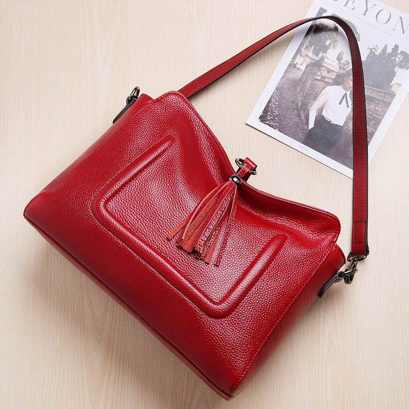 100% Genuine Leather Women's Messenger Bags First Layer Of Cowhide Crossbody Bags Female Tassel Designer Shoulder Tote Bag fashion women bags 100% first layer of cowhide genuine leather women bag messenger crossbody shoulder handbags tote high quality