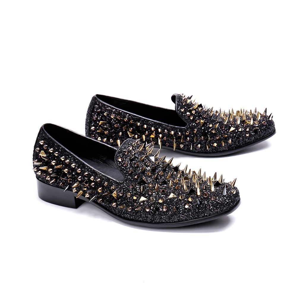 Christia Bella/Новинка; модные мужские лоферы с золотыми заклепками в британском стиле; Мужская обувь для вечеринок с квадратным носком; повседневная мужская обувь на плоской подошве; слипоны