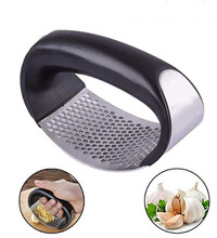 Multi-function Manual Garlic Presser Curved Grinding Slicer Chopper Stainless Steel Presses Cooking Gadgets Tool