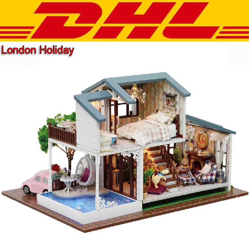 2017 LED 3D Wooden Model Miniatures Double Layer London Holiday Doll House Dust Cover Furniture DIY Toys For Children Music Box