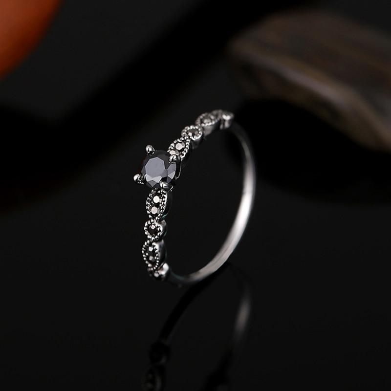 أسود حجر الزركون خواتم للنساء العتيقة اللون الفضي سبائك الزنك خاتم خمر الإناث أزياء الزفاف حزب مجوهرات باجي فام