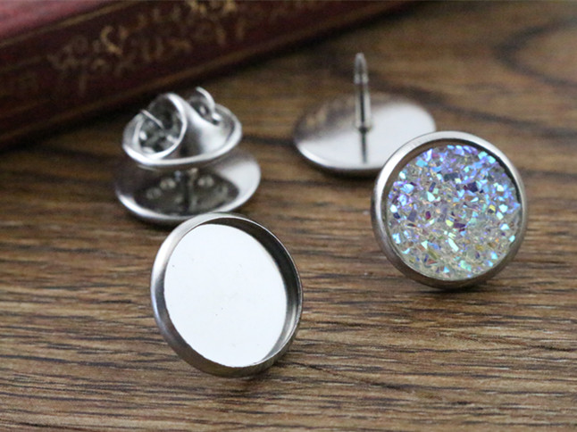 цена 10pcs 12mm Inner Size Stainless Steel Material Brooch Style Cabochon Base Blank Cufflink Spacer Settings Tie Tack Pins-T5-06