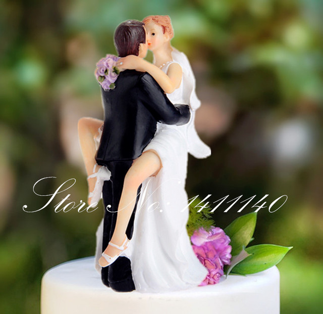 New Arrival True Love Groom Lifting Bride Kissing Figurine Resin Wedding Cake Topper Decoration Bridal