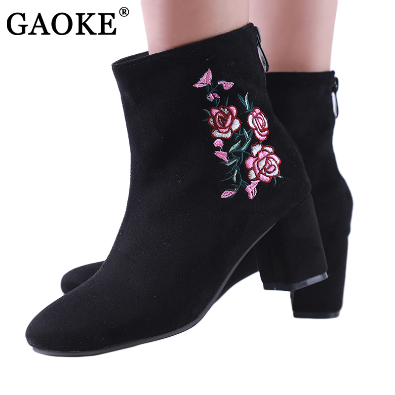 GAOKE Autumn Winter Women Boots Flowers Embroidery Boots Short Zipper Thick High Heel Round Toe Ankle Boot Ladies Shoe 34-44 esveva 2016 sequined platform women boots autumn fashion boots wedges high heel leisure round toe ladies ankle boot size 34 39