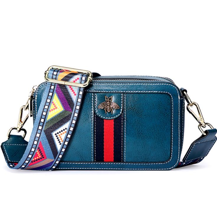 Best selling brand leather shoulder bag 2018 new oil wax leather embroidery camera bag European and American fashion bee small s