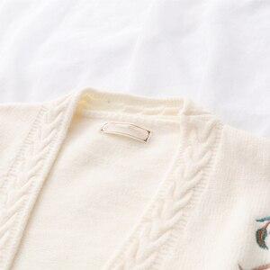 Image 4 - Suéter de punto con bordado de flores y manga linterna de muelle, cárdigans de punto, estilo Preppy, holgado, con cuello en V, para otoño