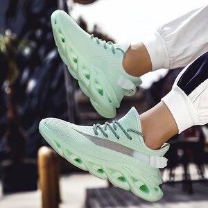 Image 3 - Yaz erkek ayakkabıları 2020 yeni trend nefes spor eğlence gece lambası kişilik uçan dokuma INS çift ayakkabı