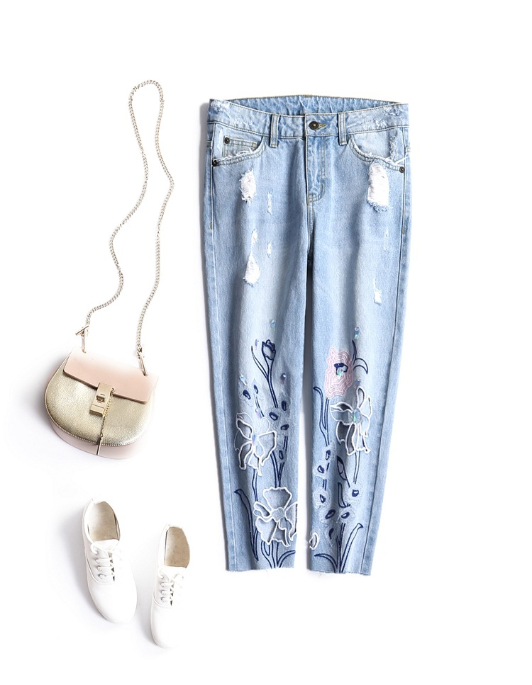 ФОТО The new Europe and the United States women's 2017 spring Water is hollow-out embroider bead piece of jeans