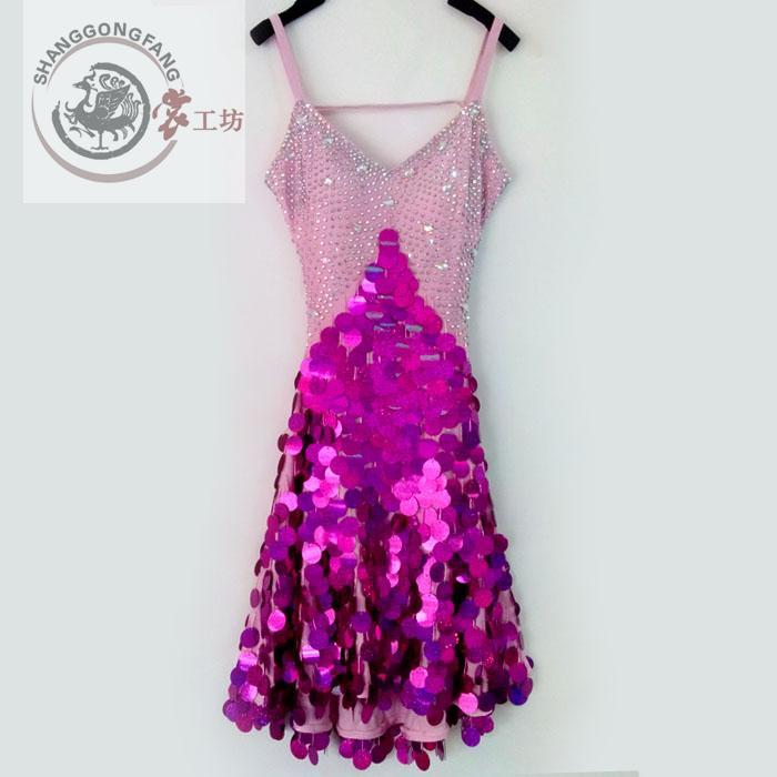 d810683736a1 ᐃNuevo estilo traje de la Danza Latina sexy spandex lentejuelas ...