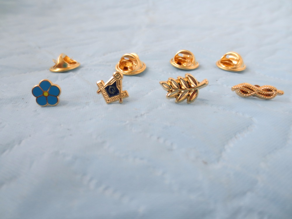 wholesale 4 different style of masonic lapel pins badge mason freemason size is from 0 6cm to 1