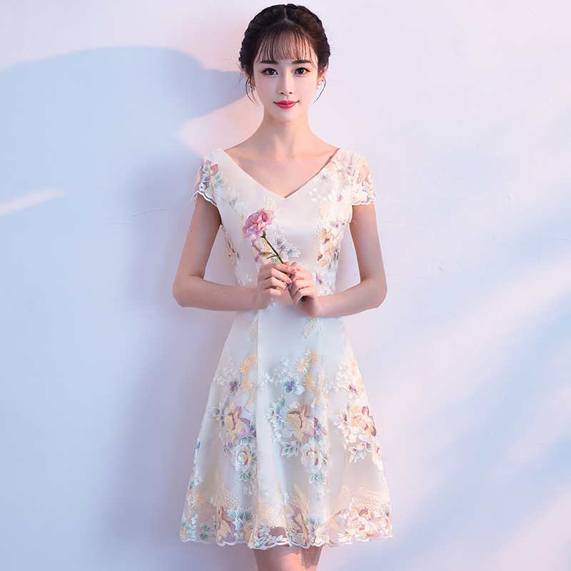 High Quality V-neck Cheongsam Sexy Qipao Women Traditional Chinese Lace Dress Evening Gown Party Dresses Style Chinois Femme