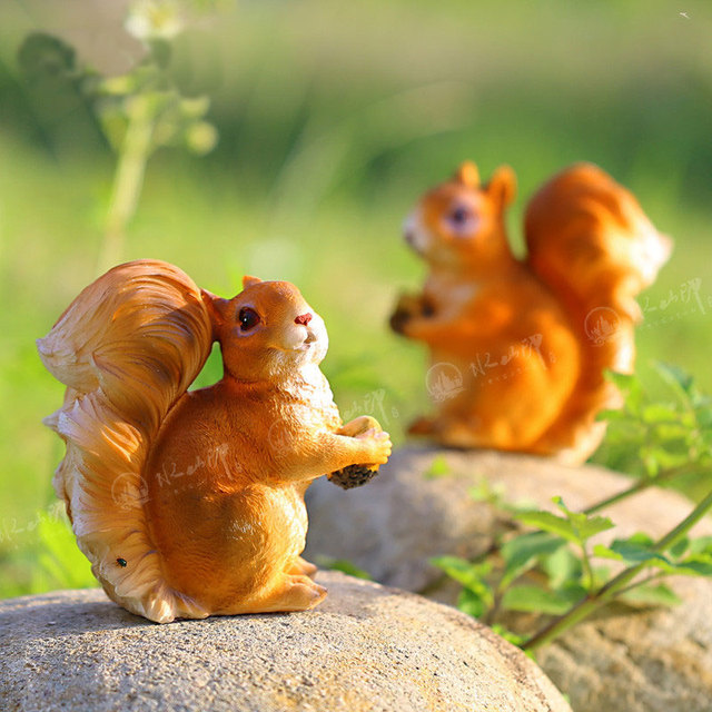 Awesome 2pcs/pack Garden Decorative Resin Squirrels Garden Animal Home Accents Garden  Statue Outdoor Figure New