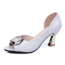 Summer new Roman fishmouth leaky-toe metal buckle for comfort clear heels sandals