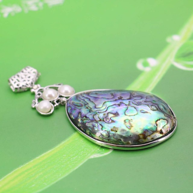 L004 new marine natural color shell white pearl abalone shell l004 new marine natural color shell white pearl abalone shell pendant necklace for female fashion aloadofball Image collections