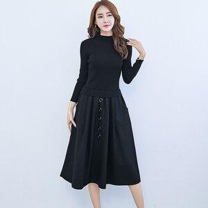 Женское трикотажное платье-свитер, длинное облегающее платье с имитацией двух строчек и круглым вырезом на осень
