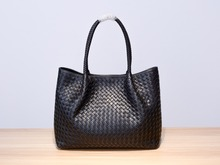 2019 Genuine leather  manual  Weave  Handheld large capacity package  Woman  High-quality  Inner zipper bag Dermis in and out of 2018 new high quality dermis shell bag multicolor can be selected normal transportation free of charge