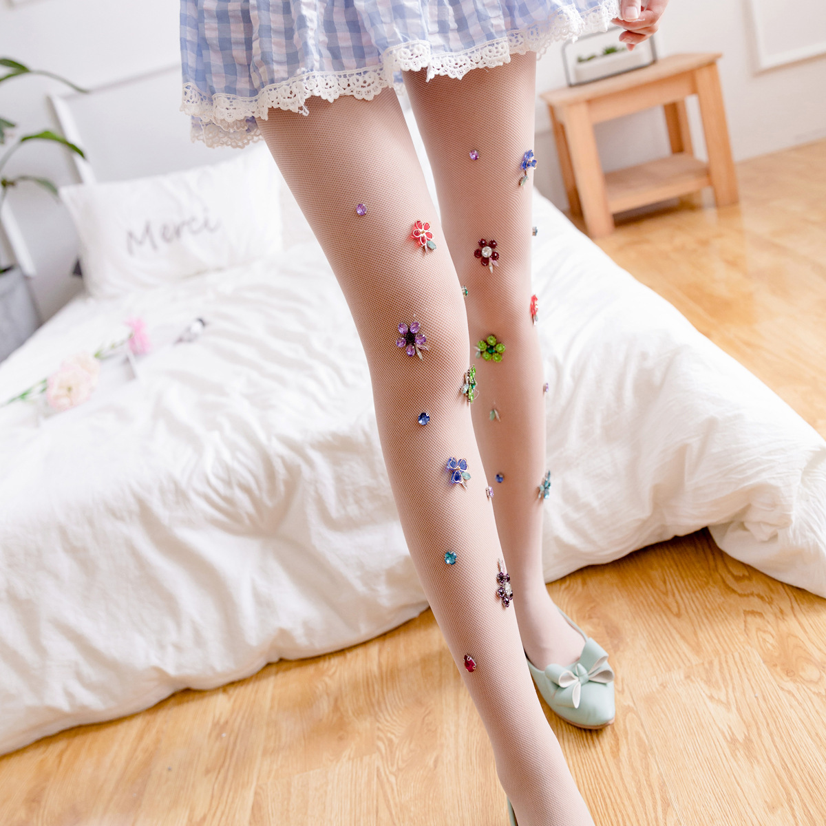 Buy New fashion lady flowers diamond pantyhose Sweet girl thin section tights