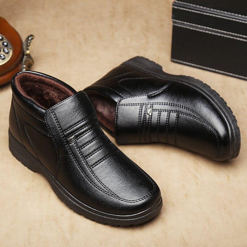3d17688b498 Más Cálidos Nuevos Botas Zapatos De Invierno Terciopelo Negro Simple  Algodón 2018 Casuales Hombre nwHWXUnx