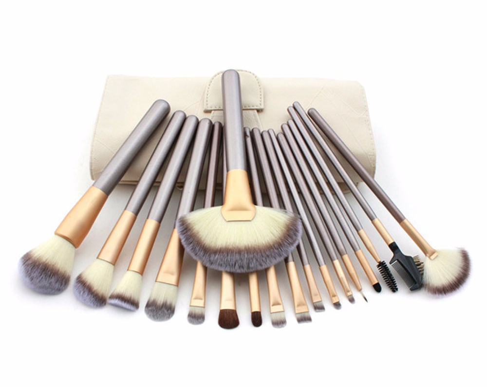 18pcs Makeup Brushes Professional Set Woman s Foundation Powder Eyeliner Lip Contour brush Beauty Kit Leather