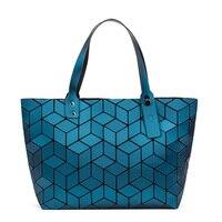 Вместительная сумка в стиле BaoBao