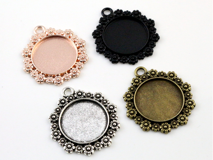 4pcs 20mm Inner Size 4 Colors Plated Classic Flower Style Cabochon Base Setting Charms Pendant  Tray4pcs 20mm Inner Size 4 Colors Plated Classic Flower Style Cabochon Base Setting Charms Pendant  Tray