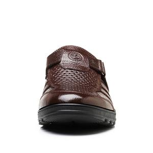 Image 3 - Yween Big Size Mannen Sandalen Modieuze Lederen Sandalen Mannen Outdoor Casual Schoenen Ademende Visser Schoenen Mannen Strand Schoenen