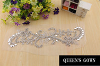 2014Hot et Nouveau Belle Designer applique brodé papillon hot fix strass perle strass patch pour robe RT047